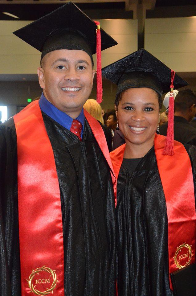 Два счастливых выпускника!