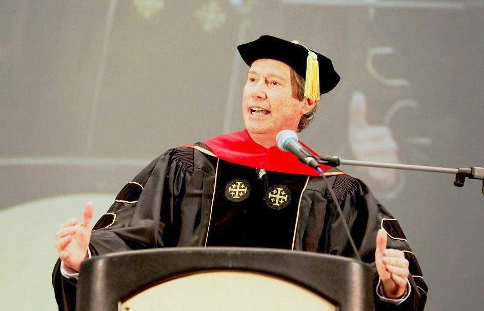 Кип со своей речью выпускника!